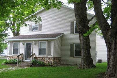 Downtown Charlevoix 4 bed/ 2 bath