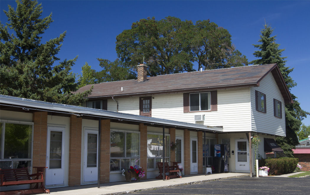 Villa Moderne Motel | Visit Charlevoix, Michigan | Charlevoix the ...